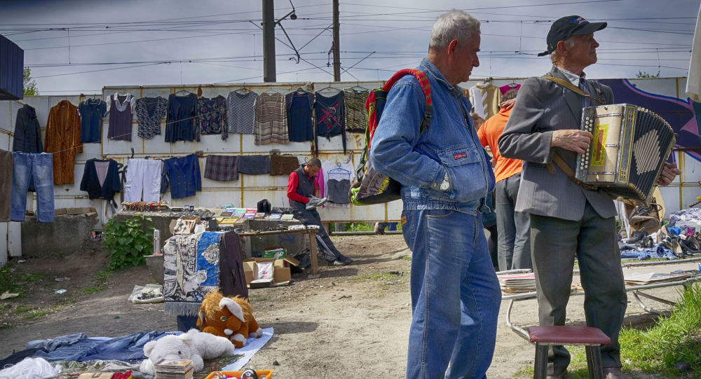 Uliczny bazar w Kijowie