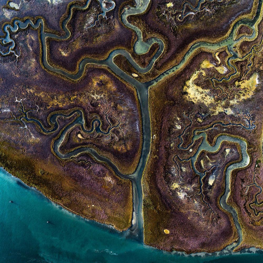 Kanały na jednej z wysp w Wenecji, Włochy