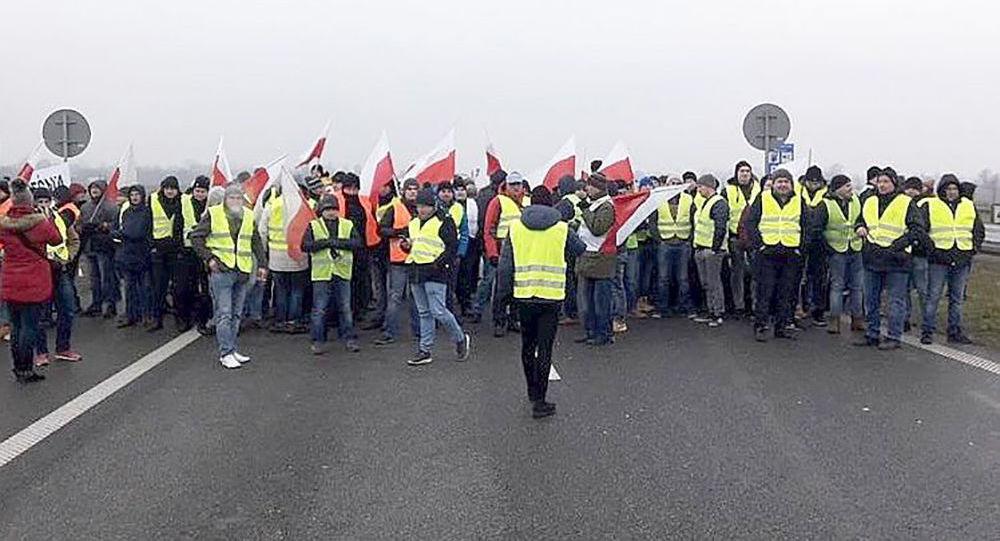 Protest rolników na autostradzie A2