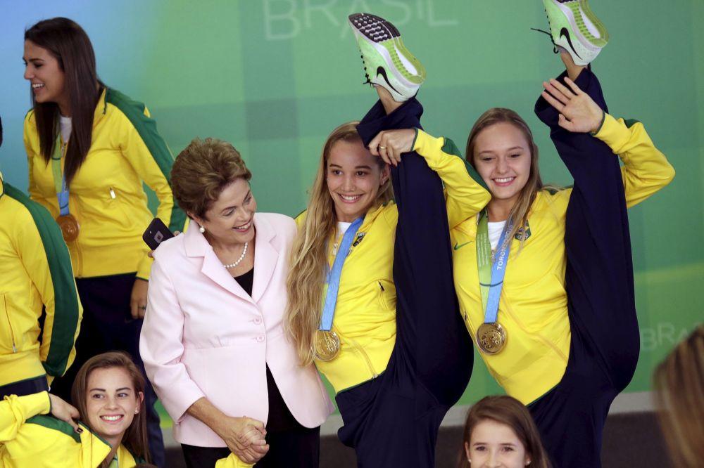 Prezydent Brazylii Dilma Rousseff podczas ceremonii przyjęcia delegacji na Igrzyskach Panamerykaskich - 2015 w Brazylii