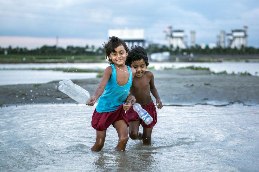 Fotograf z Bangladeszu Fardin Oyan zajął pierwsze miejsce w nominacji Young TPOTY 15-18