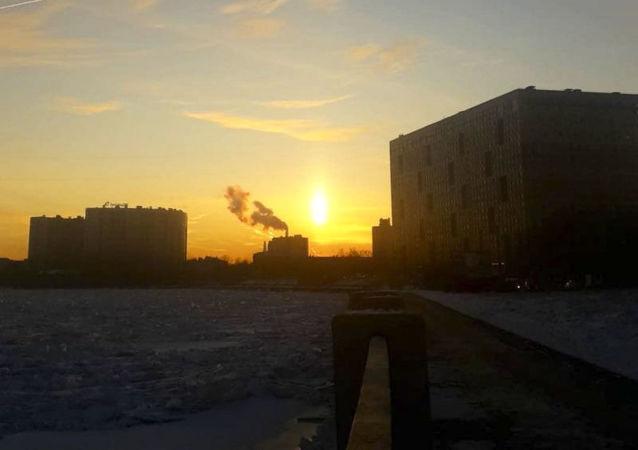 Niezwykły obiekt na niebie nad Petersburgiem