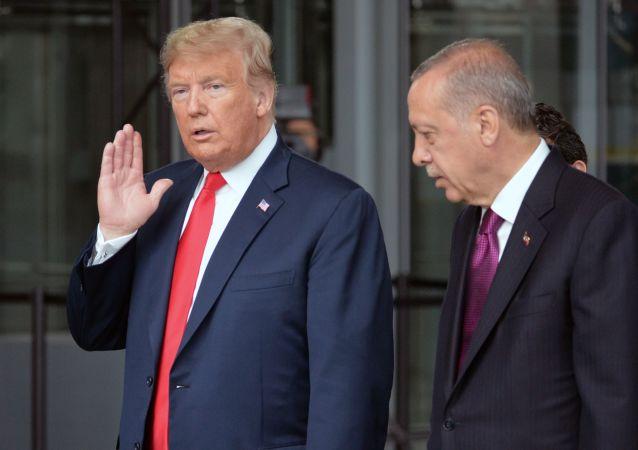 Prezydent USA Donald Trump i prezydent Turcji Recep Tayyip Erdogan