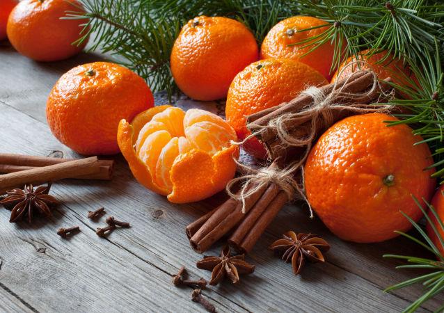 Mandarynki na świątecznym stole