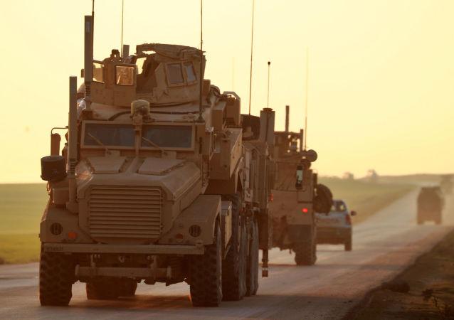 Amerykańscy wojskowi w prowincji Hasakeh na północnym wschodzie Syrii