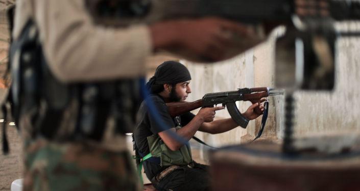 Bojownicy Państwa Islamskiego uczestniczą w walkach na obrzeżach Aleppo