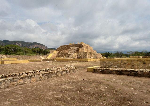 Wykopaliska świątyni epoki przedhiszpańskiej w meksykańskim stanie Puebla
