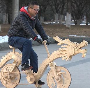 Rower z patyczków od lodów
