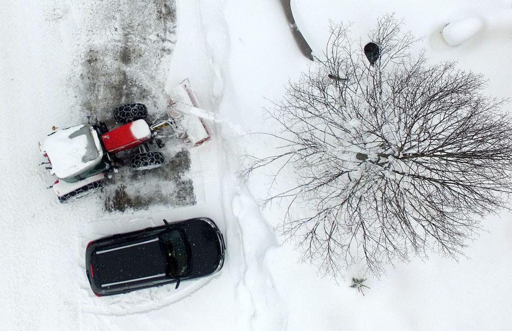 Oczyszczanie ulic ze śniegu w Austrii