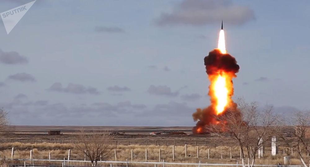 Testowy wystrzał zmodernizowanego pocisku rosyjskiego systemu obrony przeciwrakietowej na poligonie Sary Shagan