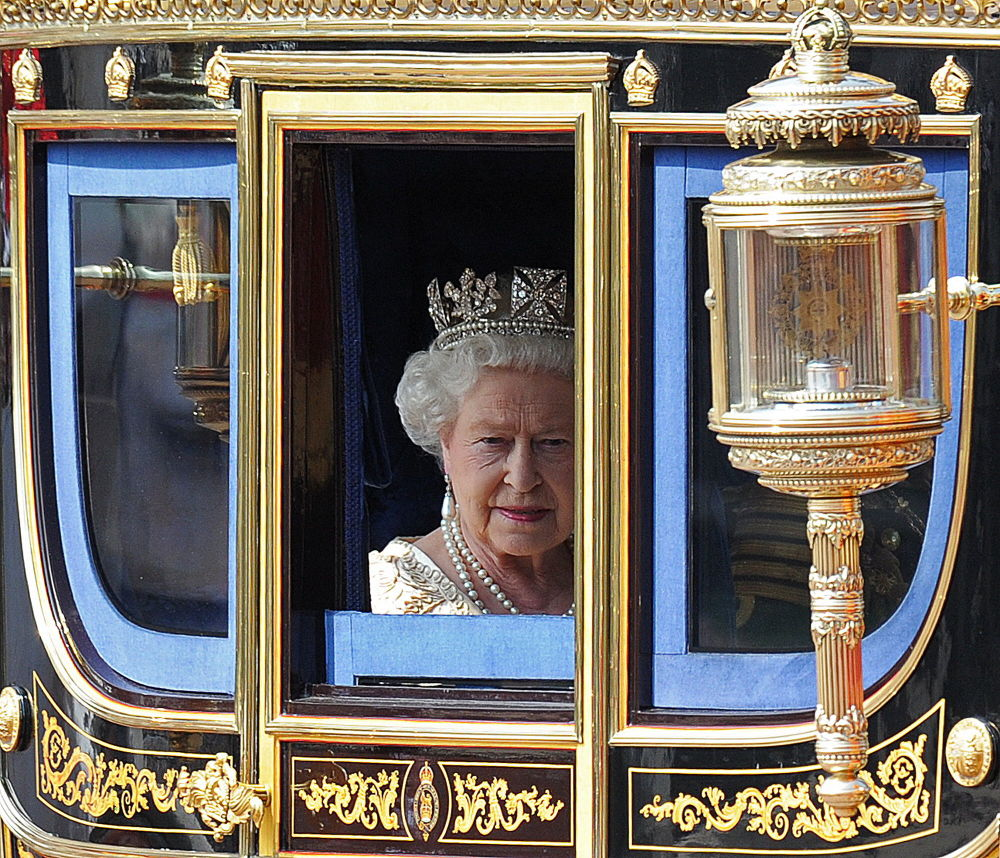 Królowa Elżbieta II w karecie