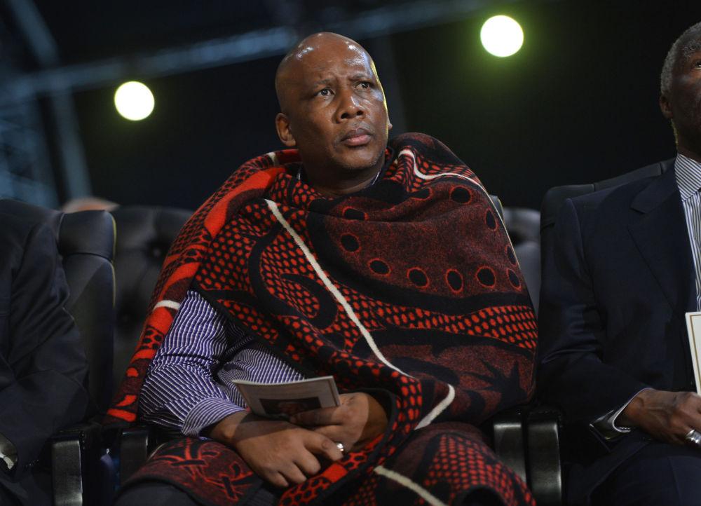 Letsie III król Lesotho na pogrzebie Nelsona Mandeli
