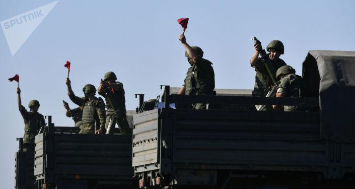 Rosyjscy żołnierze podczas manewrów szkoleniowych w Kraju Krasnodarskim