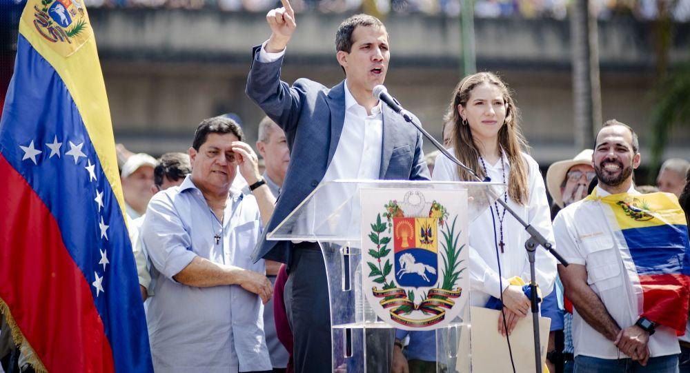 Przewodniczący parlamentu Wenezueli i przywódca opozycji Juan Guaido, który ogłosił się tymczasowym prezydentem kraju podczas wiecu w Caracas