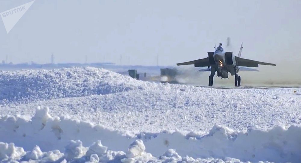 """MiG-31 uzbrojone w pociski hipersoniczne """"Kinżał"""""""