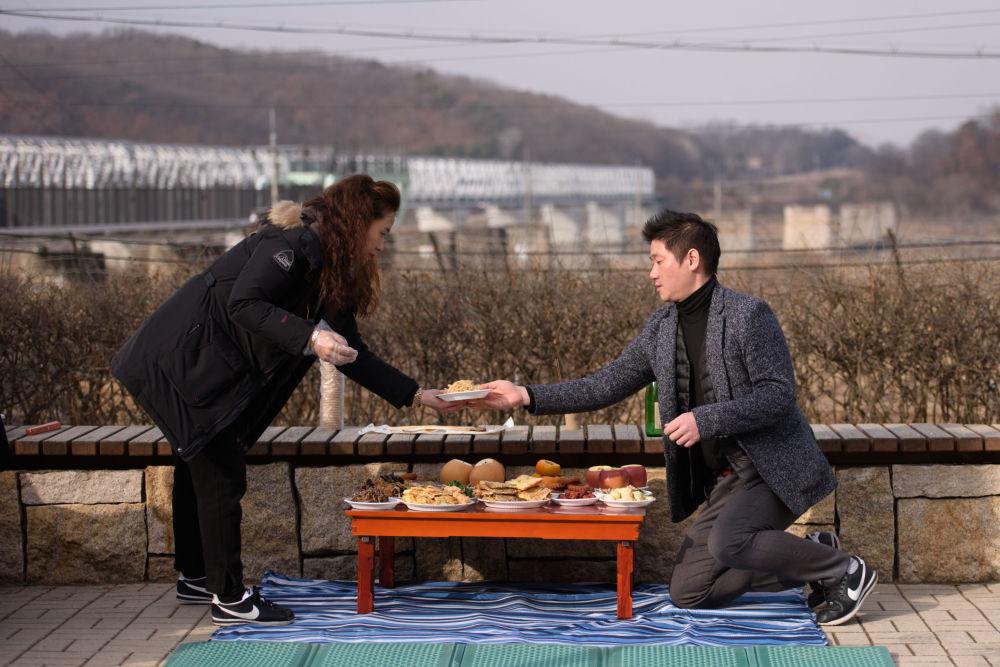 Uchodźcy z KRLD podczas obchodów Chińskiego Nowego Roku w Korei Południowej