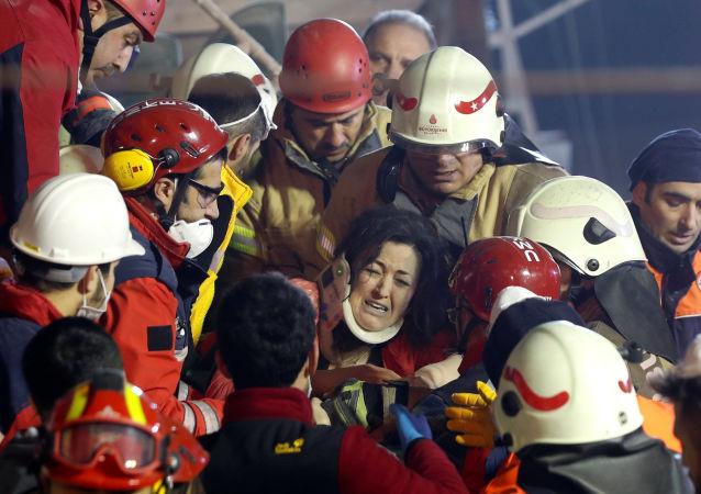 Operacja ratunkowa w Stambulu, Turcja