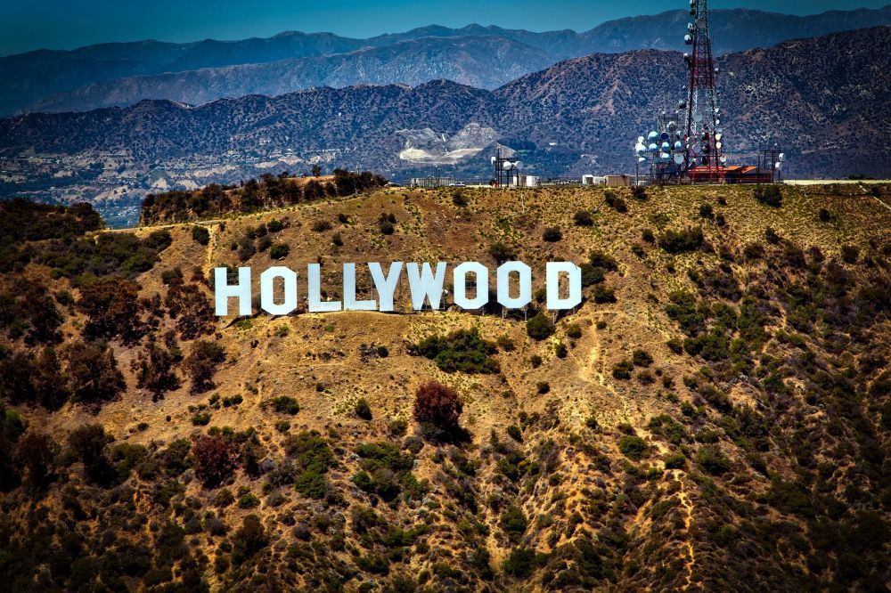 "Hollywood Sign – punkt orientacyjny w postaci napisu ""HOLLYWOOD"" w USA"