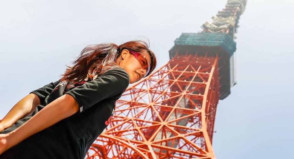 Tokyo Tower – wieża telewizyjno-radiowa z punktem obserwacyjnym położona w Tokio