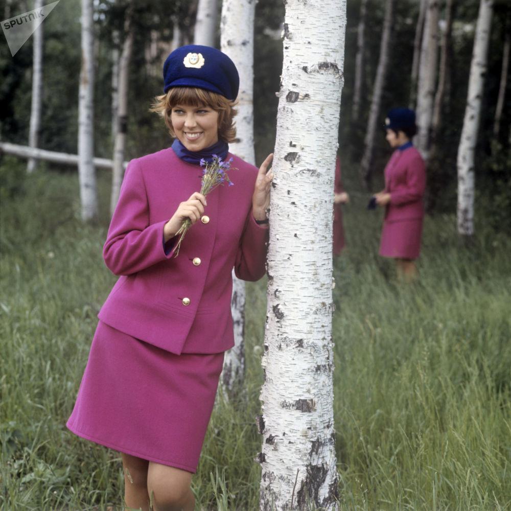 Stewardessa Nadja Tkacz. Zdjęcie archiwalne