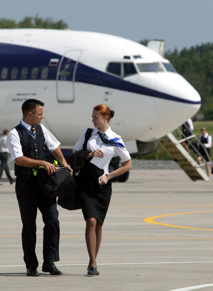 Steward i stewardessa w Kaliningradzie