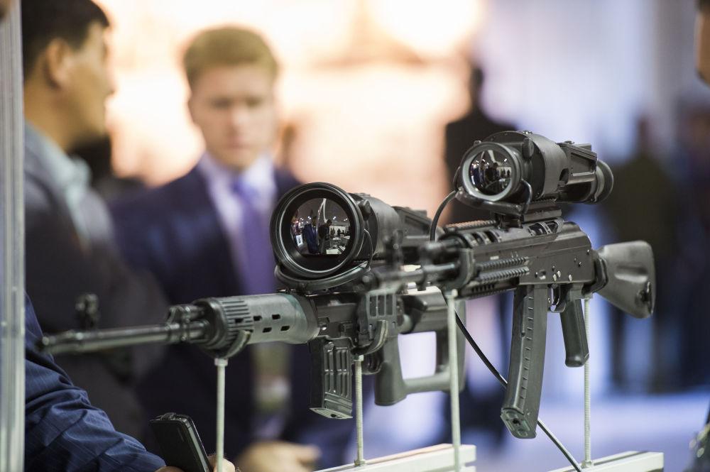 Nowoczesne celowniki do broni na Międzynarodowych Targach Wojskowych Russia Arms Expo
