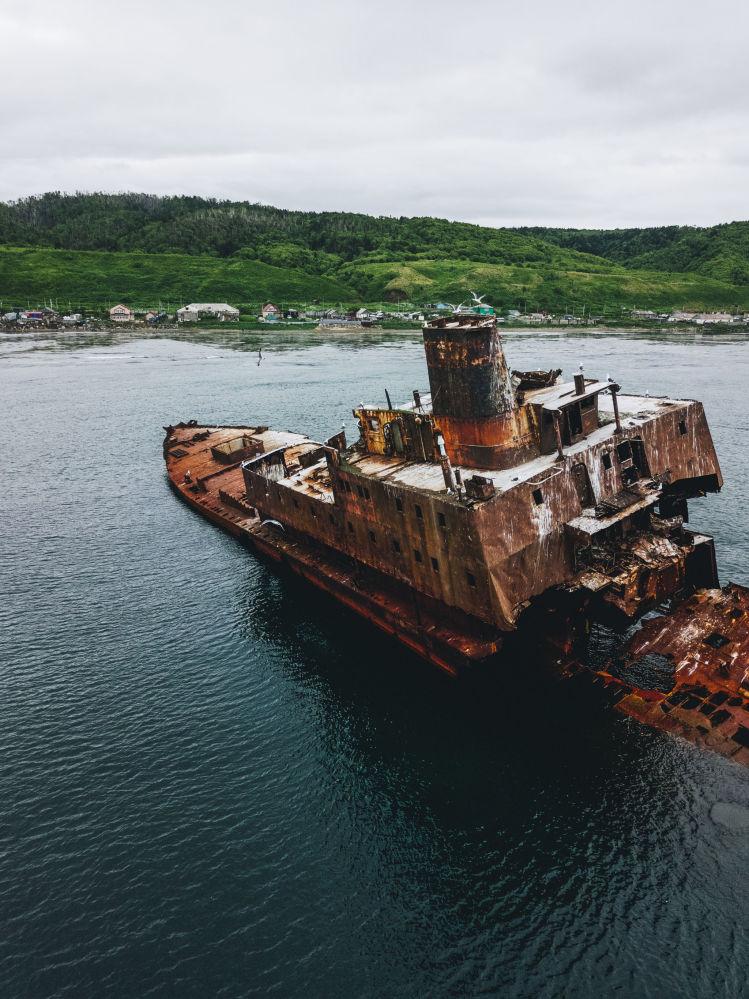 Pływająca fabryka na Sachalinie