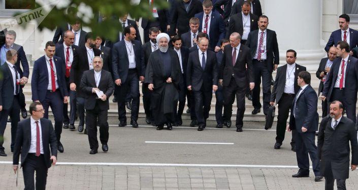 Prezydent Islamskiej Republiki Iranu Hasan Rouhani, prezydent Rosji Władimir Putin i prezydent Turcji Recep Tayyip Erdogan w Soczi