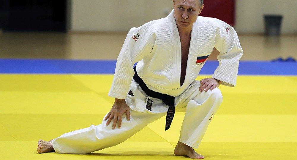 Władimir Putin uprawia judo
