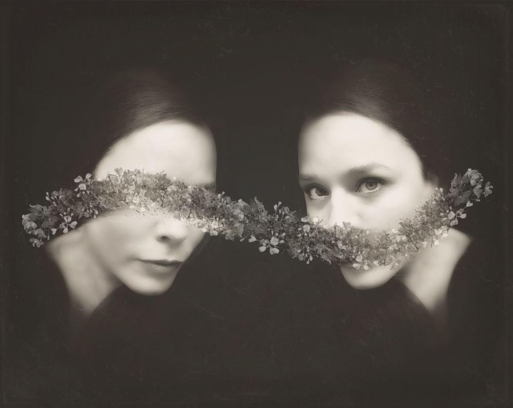 Fotografia autorstwa Ileana Montano, która wygrała w kategorii Self-Portraits w konkursie Mobile Photography Awards 2018