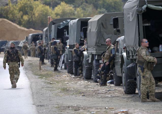 Żołnierze KFOR
