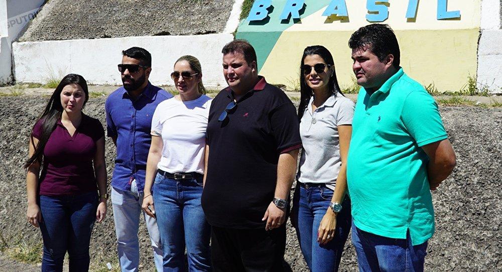 Comitiva de deputados da Assembleia Legislativa do Estado de Roraima em Pacaraima durante tentativa de entrega de ajuda humanitária à Venezuela