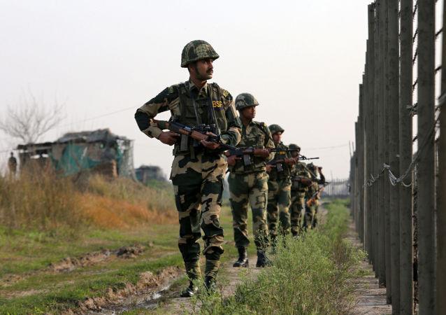 Indyjska straż graniczna na granicy z Pakistanem
