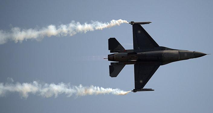 Pakistański F-16