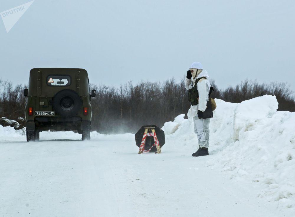 Zajęcia praktyczne dla oficerów wojsk lądowych i przybrzeżnych rosyjskiej Floty Północnej