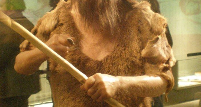Replika neandertalczyka