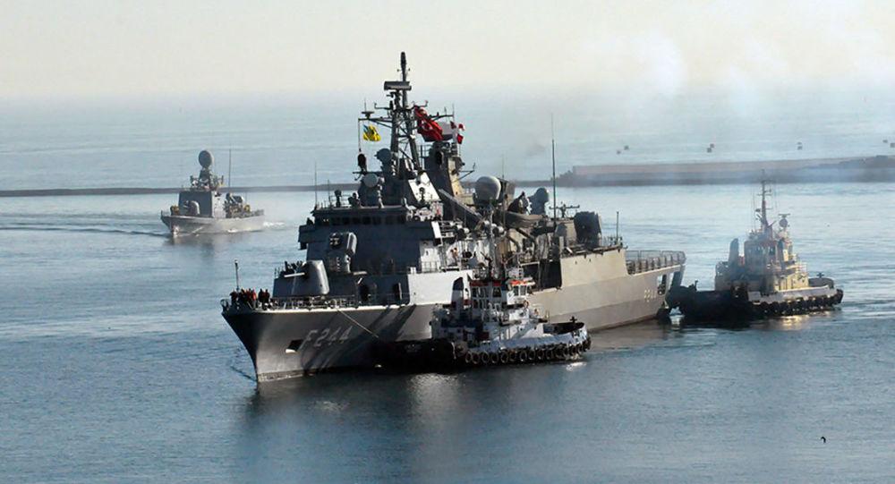 """Fregata TCG """"Barbaros"""" i kuter rakietowy szybkiego ataku TCG """"Martı"""" dotarły do portu Odessy"""