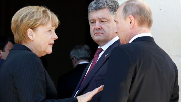 Kanclerz Niemiec Angela Merkel, Prezydent Ukrainy Piotr Poroszenko, Prezydent Rosji Władimir Putin - Sputnik Polska