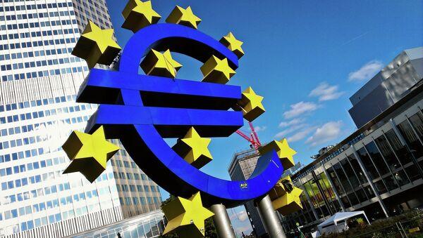 Znak euro - Sputnik Polska