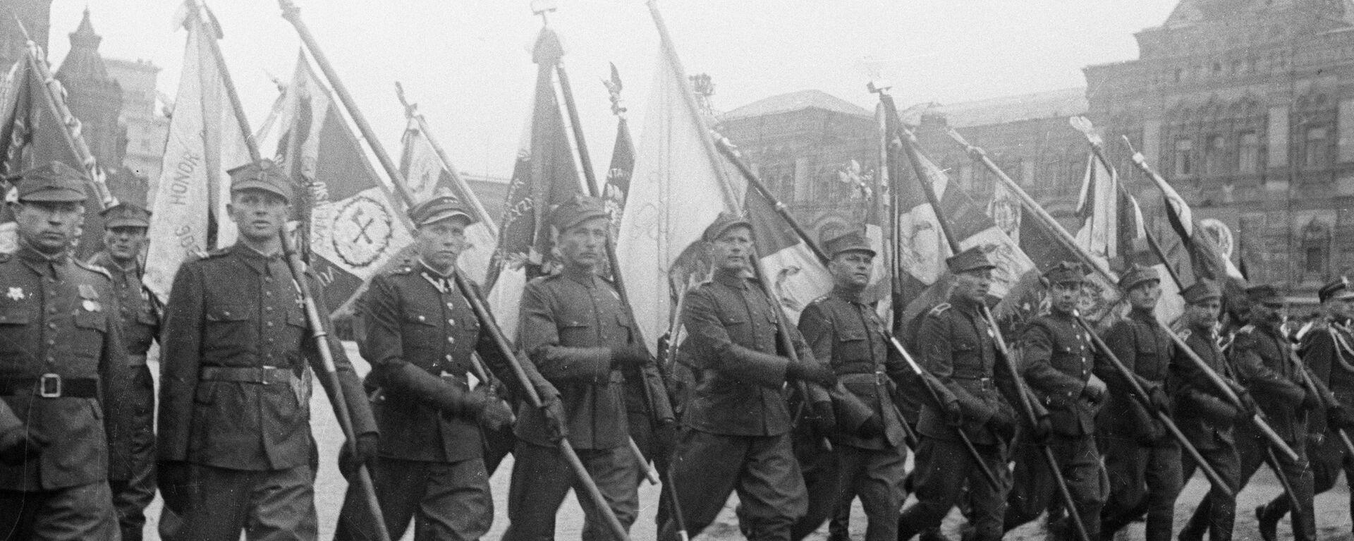 Żołnierzy Wojska Polskiego na Placu Czerwonym - Sputnik Polska, 1920, 19.01.2020