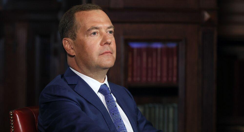 """Wiceprzewodniczący Rady Bezpieczeństwa Rosji  Dmitrij Miedwiediew w czasie wywiadu dla """"Komsomolskiej Prawdy"""""""