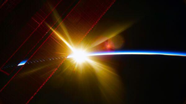 Widok z MSK na świt nad Ziemią  - Sputnik Polska