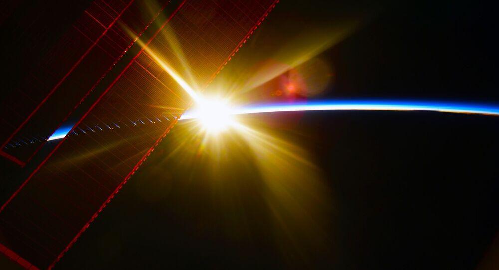 Widok z MSK na świt nad Ziemią