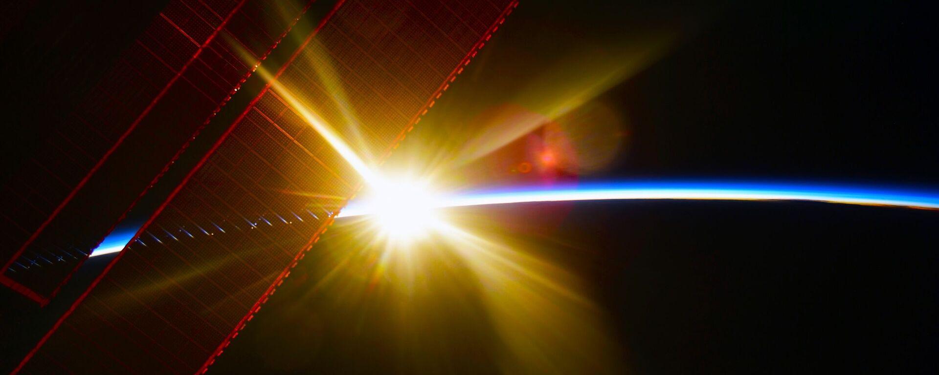Widok z MSK na świt nad Ziemią  - Sputnik Polska, 1920, 30.07.2021