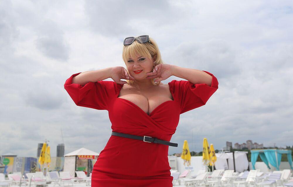 Miła Kuzniecowa – właścicielka największego naturalnego biustu w Ukrainie