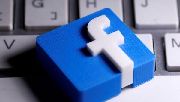 Logo sieci społecznościowej Facebook. - Sputnik Polska