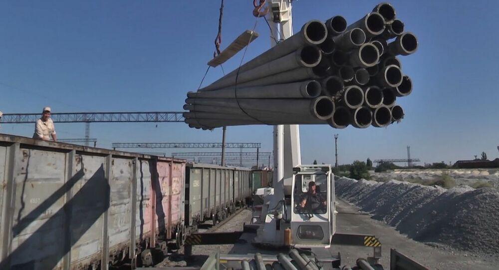 Pierwsze transporty rur do budowy wodociągów, które mają zaopatrywać Symferopol w wodę z Tajganskiego rezerwuaru, dotarły na Krym