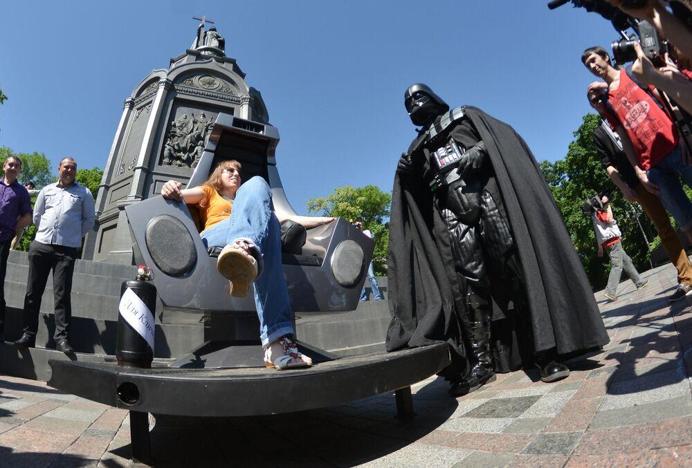 Kandydat na prezydenta miasta Kijowa Darth Vader w 2014 roku
