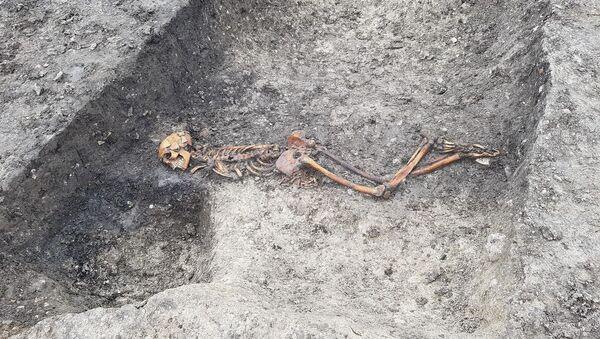 Szczątki ofiary zagadkowego zabójstwa sprzed dwóch tysięct lat - Sputnik Polska