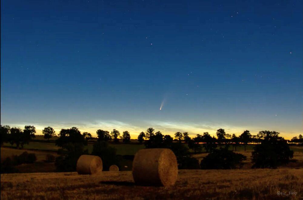 Kometa NEOWISE nad Francją